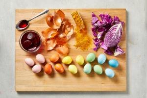 Какого числа красить яйца в 2021